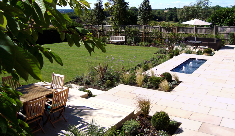 Gilly Is A Dedicated Garden Designer, Based In Harpenden, Hertfordshire.  Although She Works Largely In Harpenden, St. Albans And Surrounding Areas,  ...