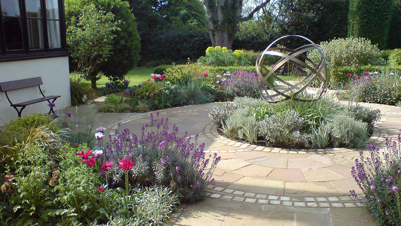 Genial Gilly Is A Dedicated Garden Designer, Based In Harpenden, Hertfordshire.  Although She Works Largely In Harpenden, St. Albans And Surrounding Areas,  ...